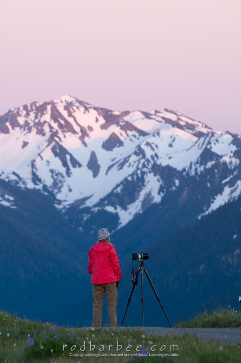 Barbee_100713_3_4725 |  Photo workshop group on Hurricane Ridge for a sunset shoot. Victoria Dye.