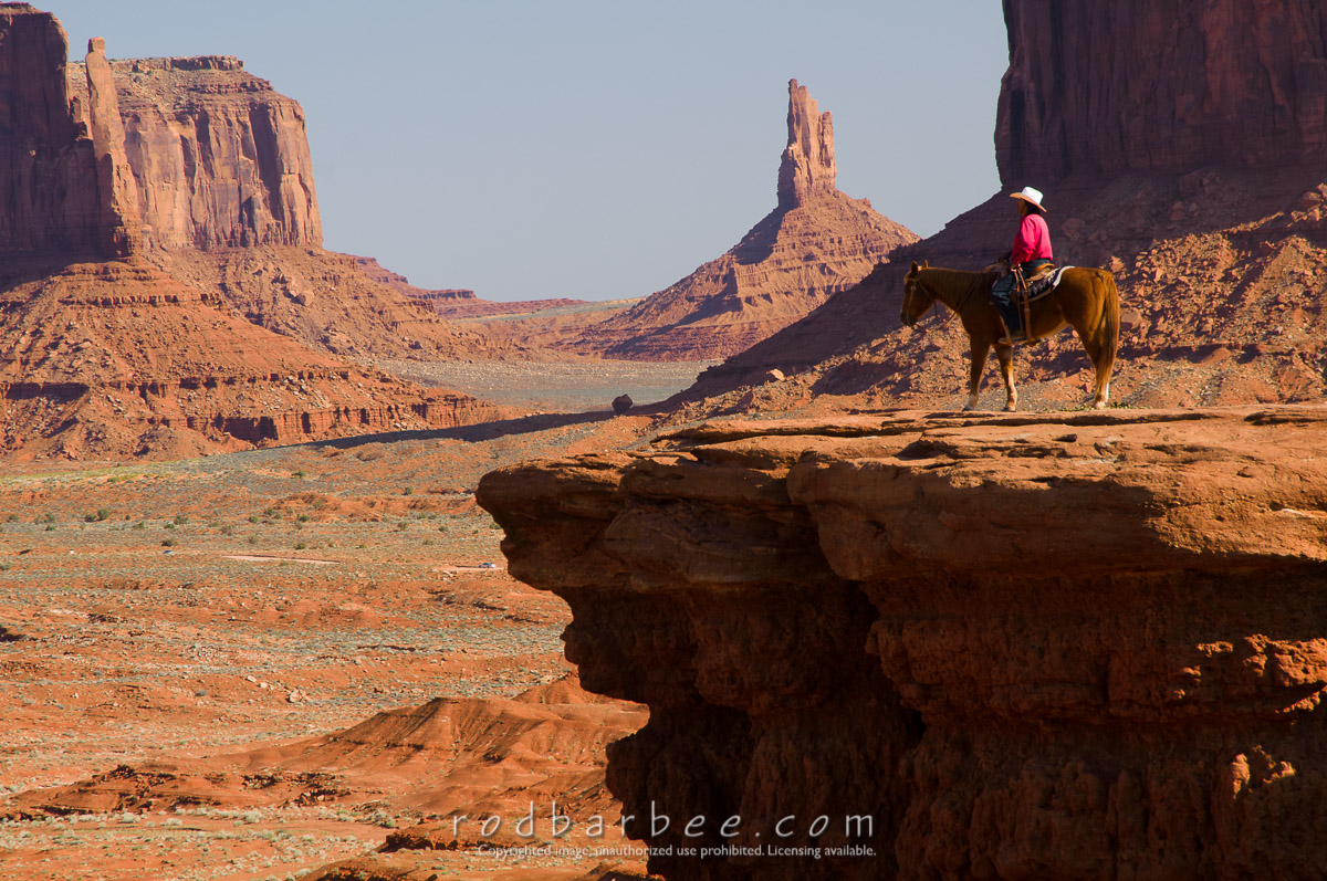 Barbee_100417_3_3261 |  Navajo on horse posing for pictures at John Ford's Point