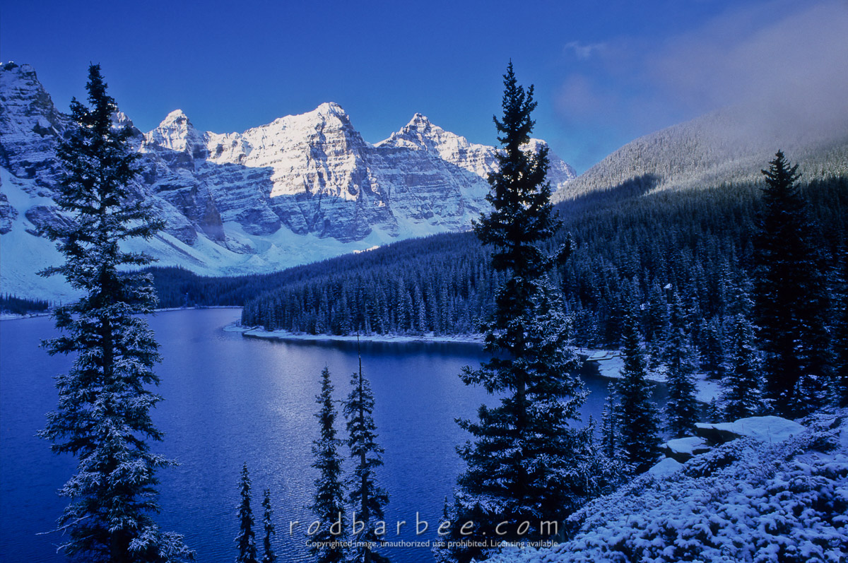 barbee_14011 |  Moraine Lake, early morning. Banff National Park, Alberta, Canada